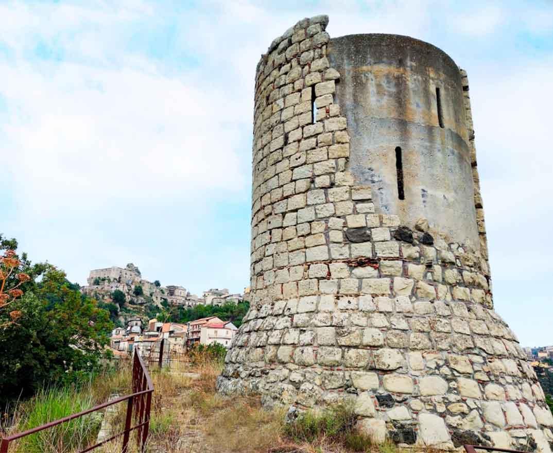 torre del cannizzo castiglione di sicilia