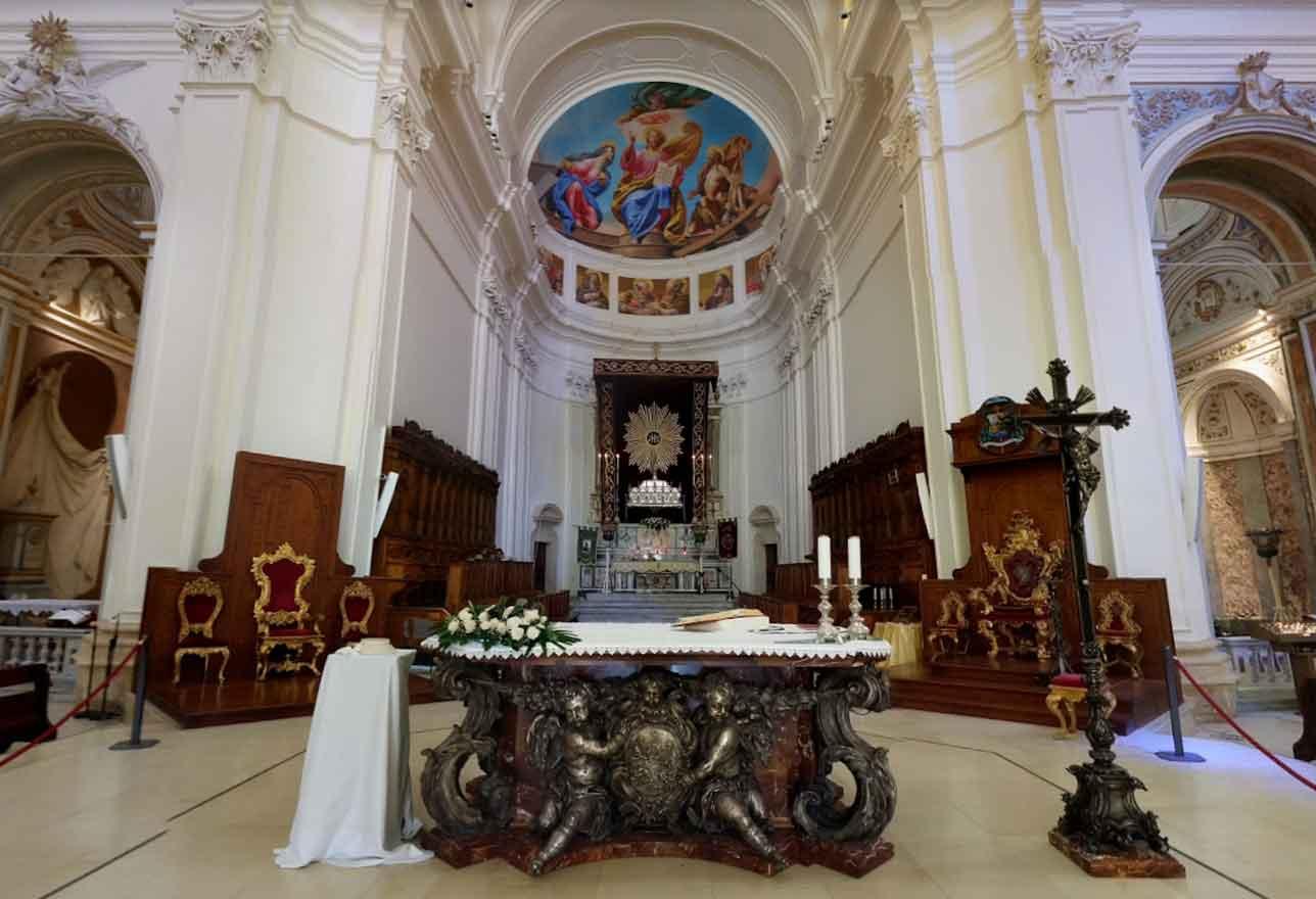 interni cattedrale di noto