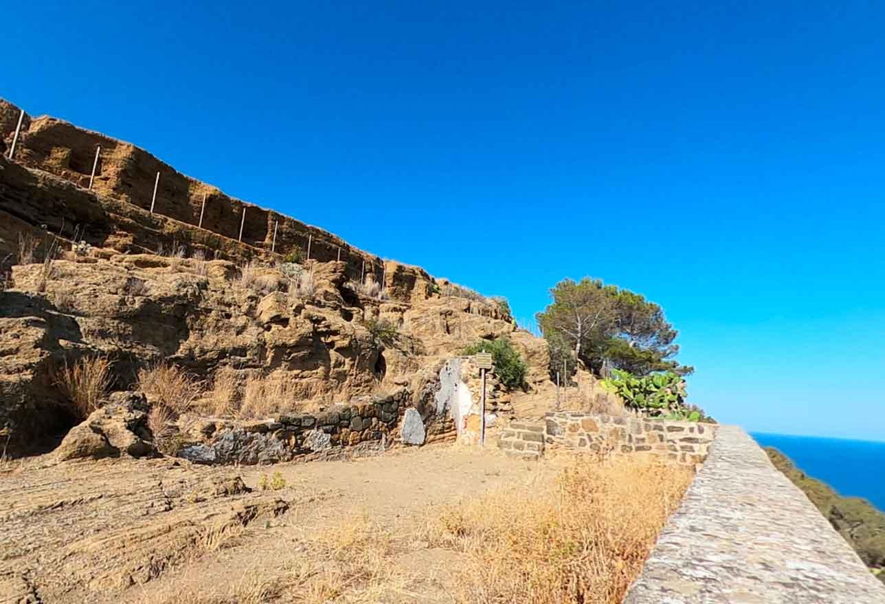 Rocca Falconiera