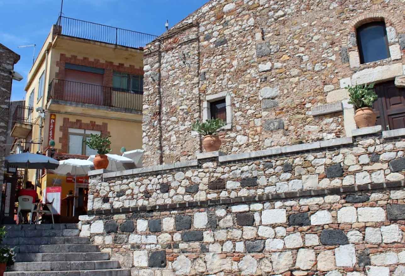 belvedere piazza sant'antonio a castelmola