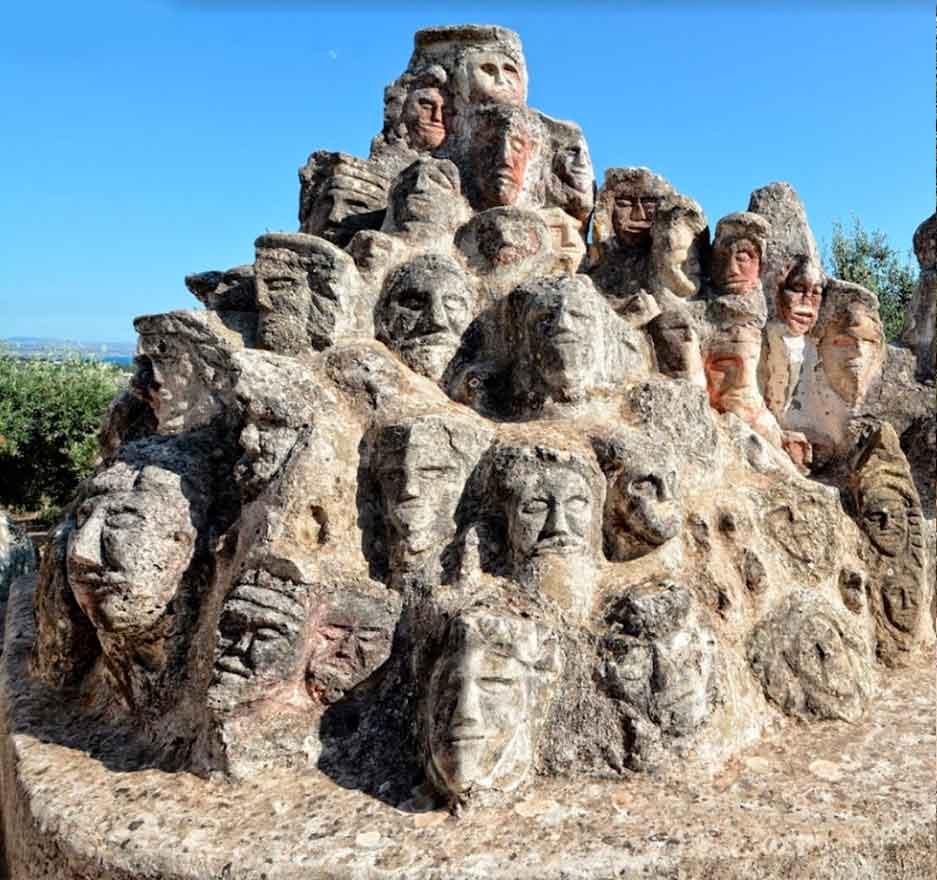 le sculture del castello Incantato sciacca