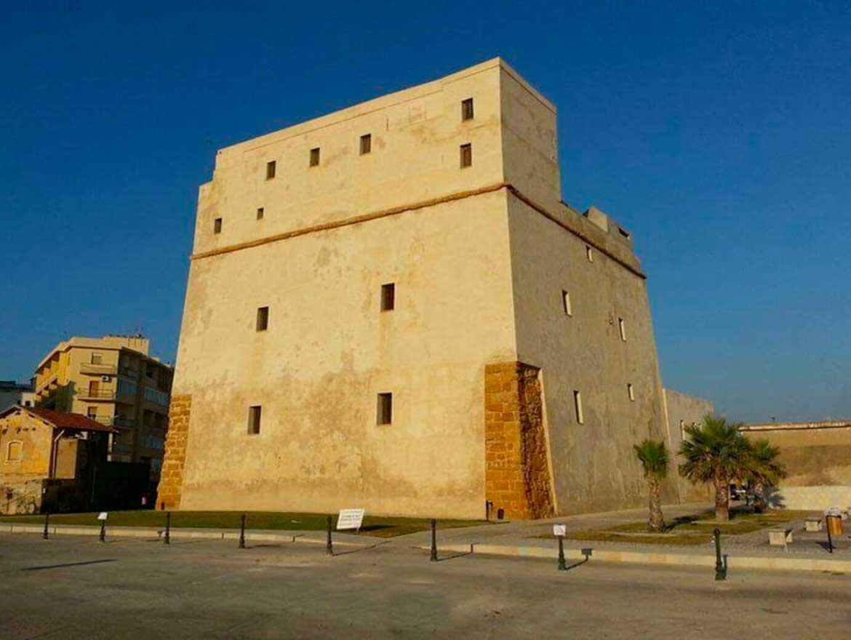 Torre Carlo V a Porto Empedocle