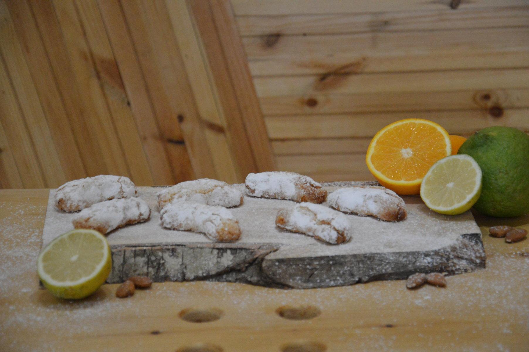 Spicchi d'arancia e di limone
