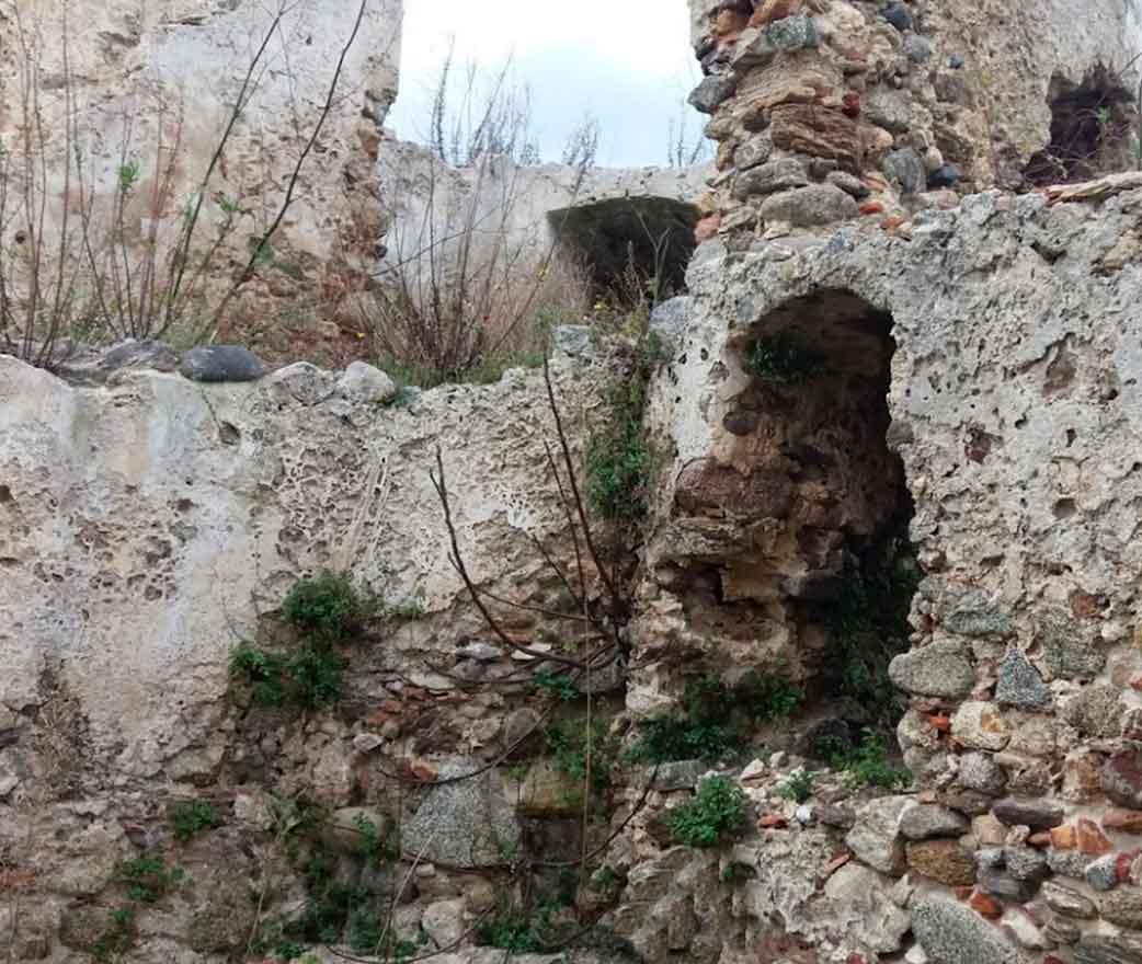 castello di bivona ruderi