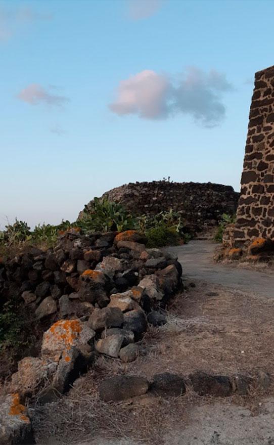 Parco Archeologico dei Sesi a Pantelleria