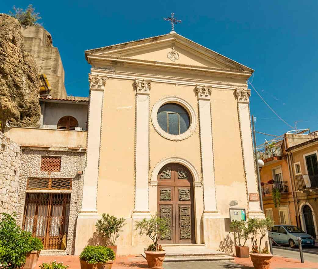 Chiesa di Santa Maria Raccomandata Giardini Naxos